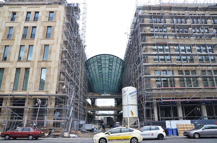 Berlin - ładne budynki i miasto w budowie (10)