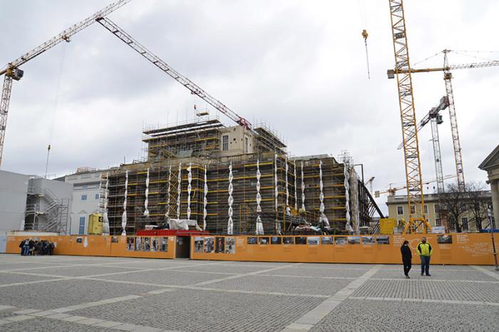 Berlin - ładne budynki i miasto w budowie (11)