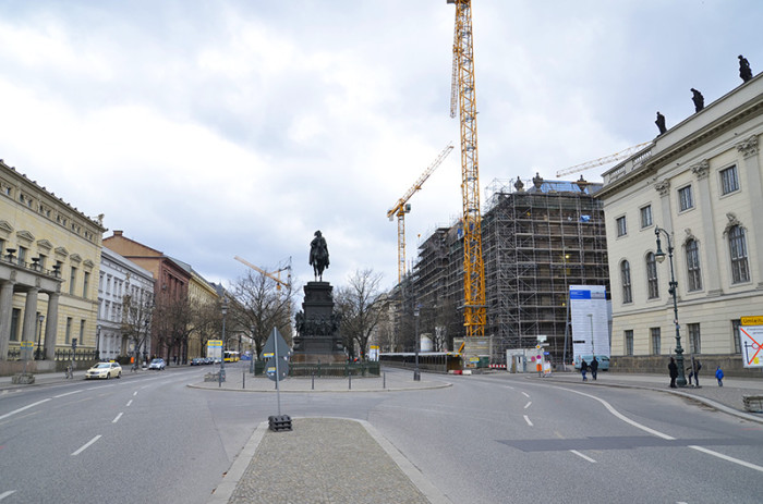 Berlin - ładne budynki i miasto w budowie (14)