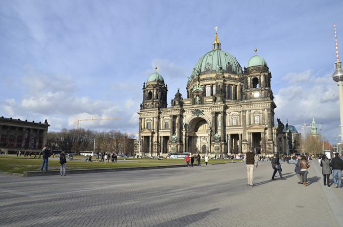 Berlin - ładne budynki i miasto w budowie (7)