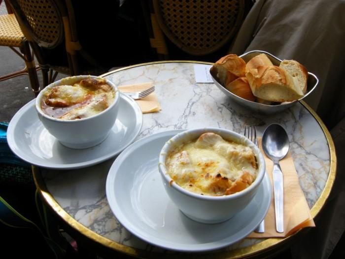Paryż - zupa cebulowa (1)
