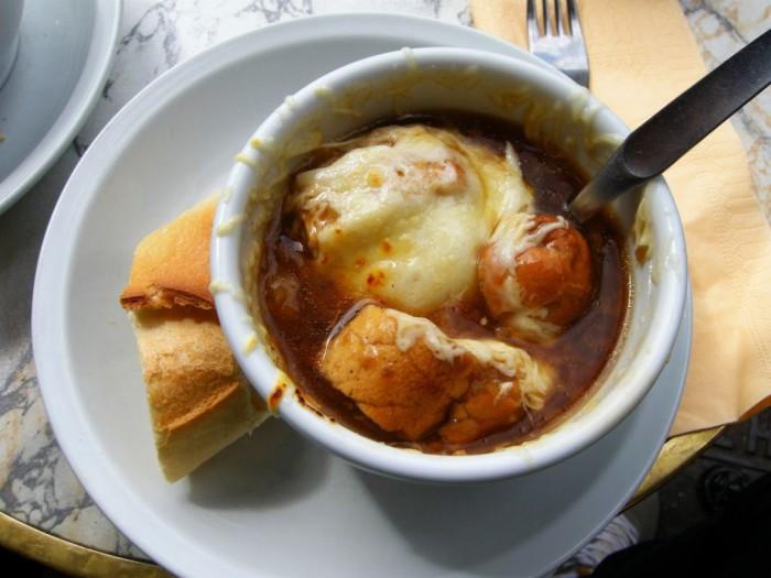 Paryż - zupa cebulowa (6)