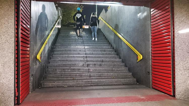 zamykanie metra